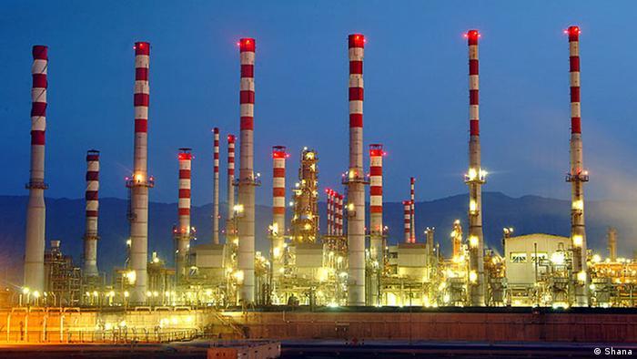Erdölraffinerie Abadan in Iran (Shana)