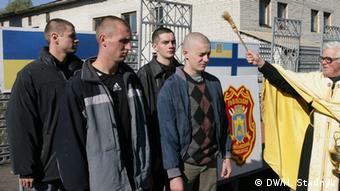 Серед внутрішніх переселенців, які прибули на Львівщину, лише десять відсотків - чоловіки призовного віку, кажуть у Крим SOS