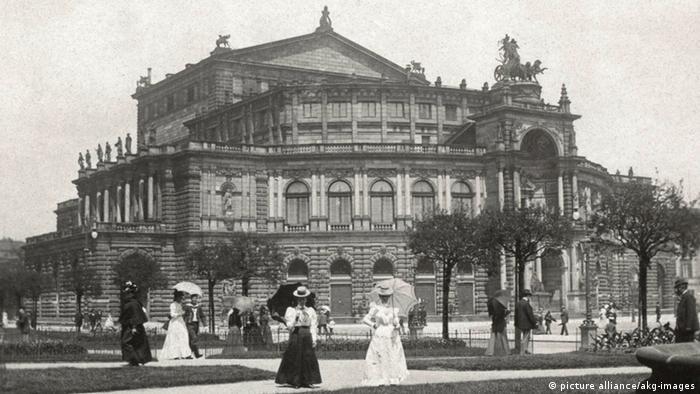 Опера Земпера на фотографии 1904 года