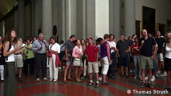 Thomas Struth photo of visitors