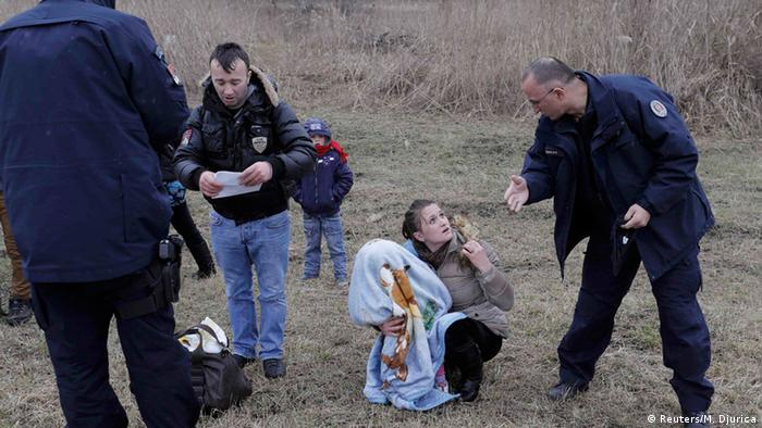 Serbian Police detain refugees from Kosovo