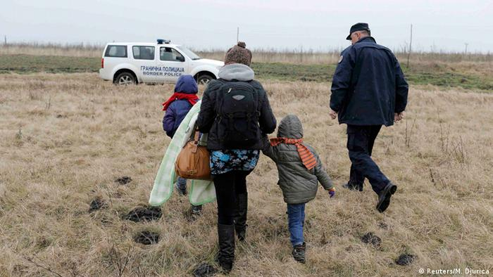 Migrants picked by Hungarian border police