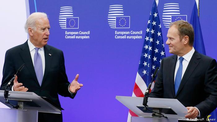 Džo Bajden u vreme dok je bio potpredsednik SAD i Donald Tusk u vreme dok je bio Predsednik Savetu EU