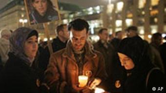 Mahnwache für die entführte Archäologin Susanne Osthoff (Foto: AP)