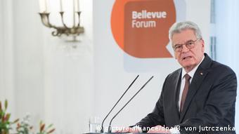 Joachim Gauck in gewohnter Umgebung im Schloss Bellevue. (Foto: dpa)