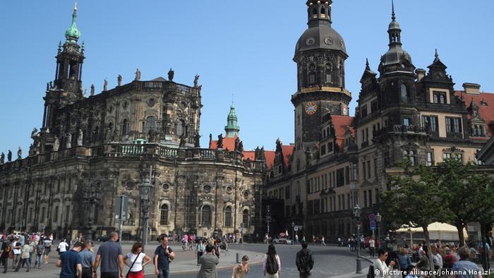 Deutschland Dresden Katholische Hofkirche