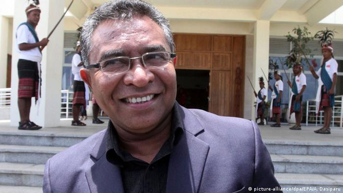 The newly-announced prime minister of East Timor, Rui Maria de Araujo, smiles shortly after a meeting with the President Jose Maria Vanconcelos, also known as Taur Matan Ruak in Dili, East Timor, 11 February 2015.