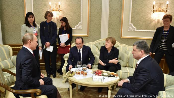 Владимир Путин, Франсуа Олланд, Ангела Меркель и Петр Порошенко в Минске в феврале 2015 года