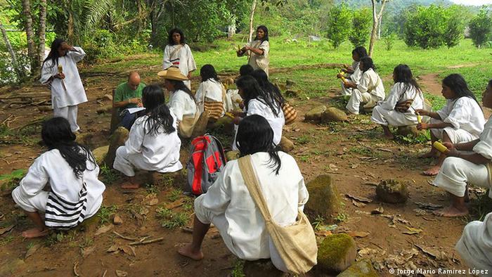 Indígenas Kogui de la Sierra Nevada de Colombia.