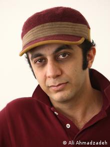علی احمدزاده، کارگردان مادر قلب اتمی برای نمایش فیلمش راهی برلیناله شده بود.