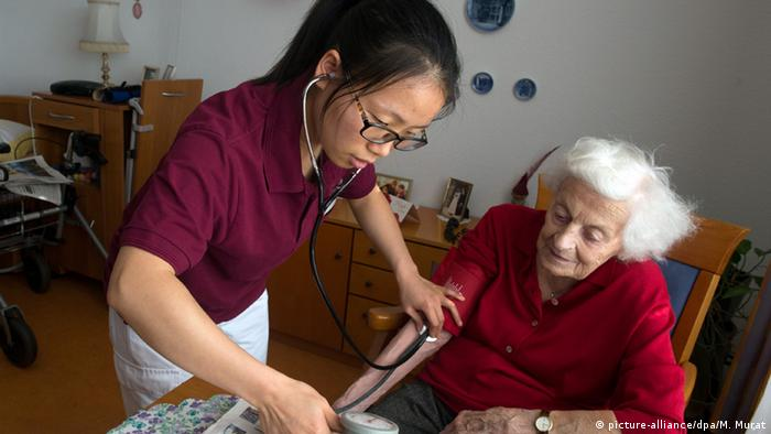 Chinesische Altenpflegerinnen sollen Fachkräftemangel lindern