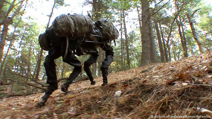 Roboter BigDog (picture-alliance/dpa/Boston Dynamics)
