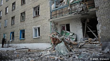 Destroyed building in Ukraine (Photo: Filip Warwick)