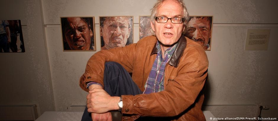 Lars Vilks é desenhista e professor de arte