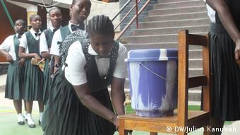 Wiedereröffnung einer Schule in Liberia