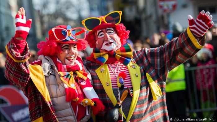 Karneval kostüm flirten
