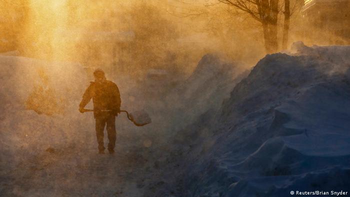 Eisiger Wind fegt durch Medford im US-Bundesstaat Massachusetts (Foto: Reuters/Brian Snyder)