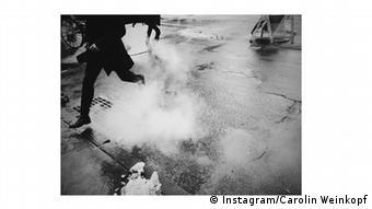 Instagram photo of a man hopping onto the curb, Copyright: Instagram/Carolin Weinkopf