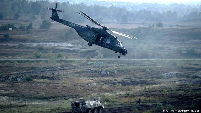 Ein Transporthubschrauber NH90 im Flug