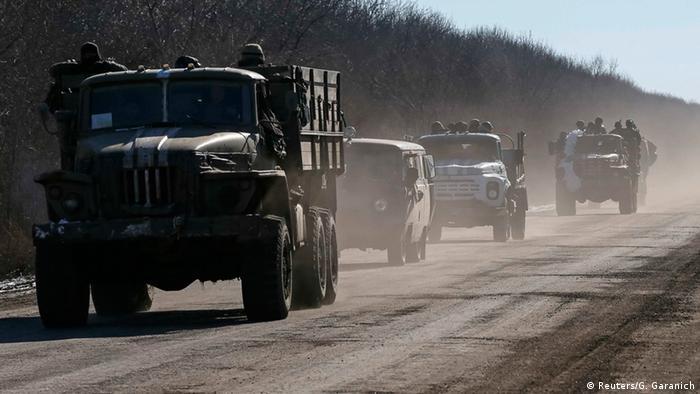 Ukraine ukrainische Soldaten verlassen Debalzewe