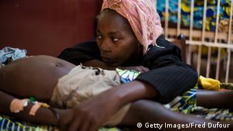 Symbolbild Tropenkrankheiten Malaria Duengefieber & Co