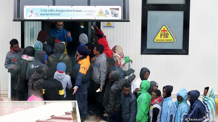 Italien Flüchtlinge in Lampedusa (Reuters/A. Bianchi)