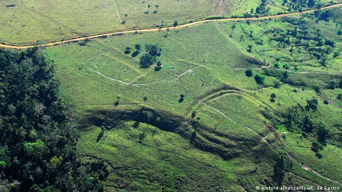 Brasilien Geoglyphen im westlichen Amazonas-Gebiet