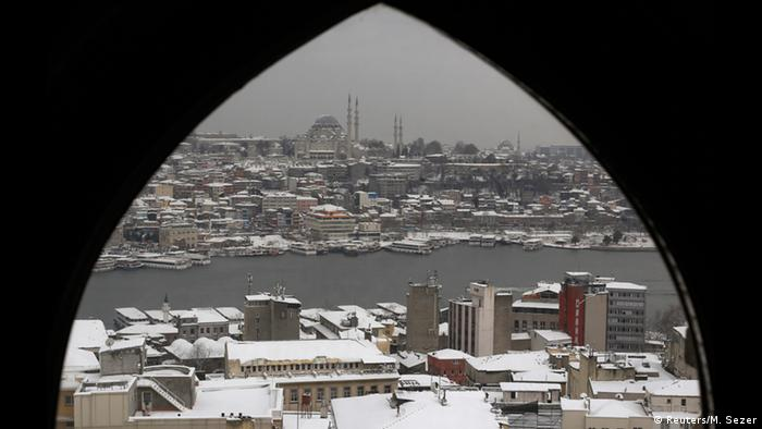 На второ място в класацията на СЗО се нарежда Анкара. Турската столица се намира в котловина, което предразполага към по-високи нива на замърсяване на въздуха. Доста по-чист е въздухът в 14-милионния Истанбул (на снимката).