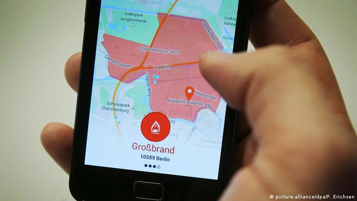 Germany's Katwarn App (Photo: Picture-alliance/dpa/ F. Erichsen)