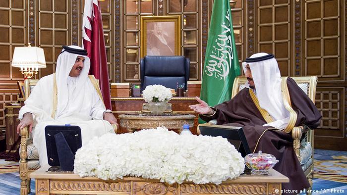 Treffen zwischen Tamim bin Hamad Al-Thani und Salman in Riad (picture alliance / AP Photo)
