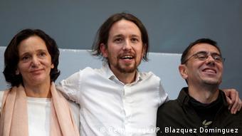 De izquierda a derecha: Carolina Bescansa, Pablo Iglesias y Juan Carlos Monedero, de Podemos.