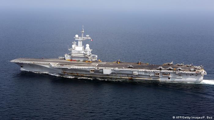 Porta-aviões francês Charles de Gaulle foi mobilizado para o Golfo Pérsico