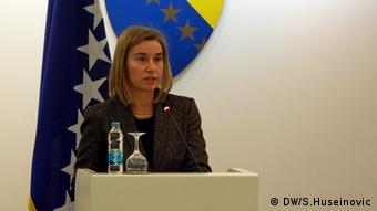 Federica Mogherin spricht im bosnischen Parlament