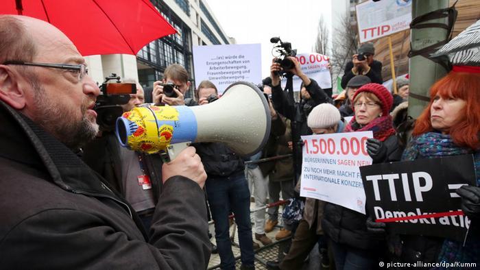 TTIP Protest Berlin Schulz