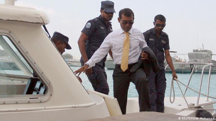 Mohamed Nasheed Ende Februar auf dem Weg zum Gericht (Foto: Reuters)