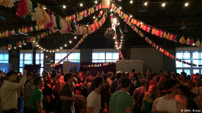 Deutschland Morning Gloryville Party in Berlin