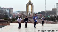 Subkulturen Tatschikistan Skateboard Duschanbe 2015 Sergej Finkelstein