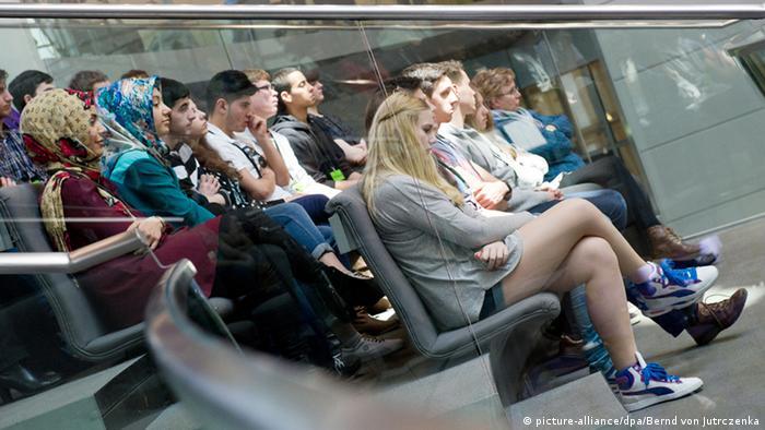 Schülerinnen und Schüler im Bundestag