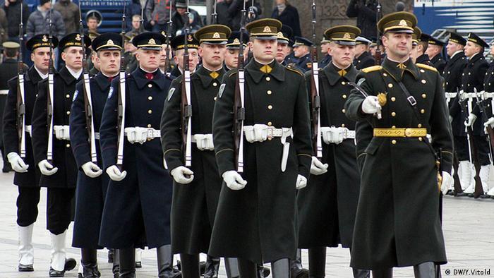 Литва повернулася до військового призову Військовий парад (лютий 2015 року)