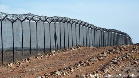 Saudi Arabien baut Schutzmauer gegen IS Dschihadisten