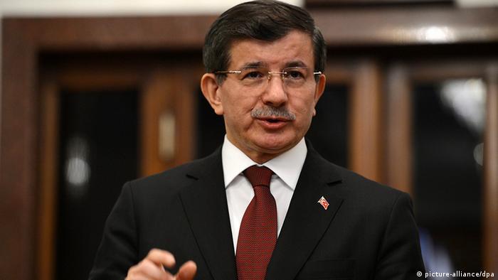 أحمد داود أوغلو – تركيا لن تغلق حدودها أمام اللاجئين