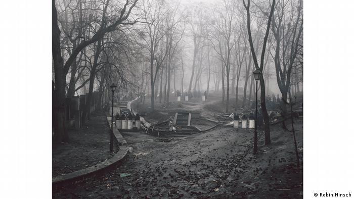 Фото із серії Робіна Гінша Майдан