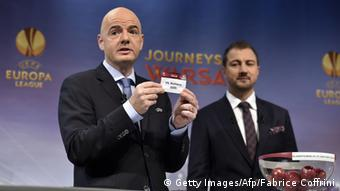 Gianni Infantino bei Ziehung der UEFA Europa League (Foto: FABRICE COFFRINI/AFP/Getty Images)