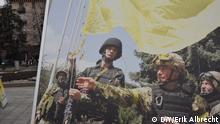 Ukraine Kiew Maidan Spendensammlung Armee Propaganda