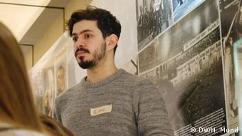 Volunteer Emre at the Anne Frank Center in Berlin. Copyright: DW/Heike Mund