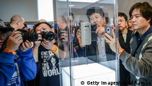 BARCELONA, SPAIN - MARCH 01: Visitors and journalists take pictures of the new Samsung Galaxy S6 during the Mobile World Congress 2015 March 1, 2015 in Barcelona, Spain. The annual Mobile World Congress will start tomorrow March 2 hosting some of the world's largest communication companies, with many unveiling their last phones and gadgets. (Photo by David Ramos/Getty Images)