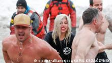 Lady Gaga Taylor Kinney Lake Michigan Eiswasser USA