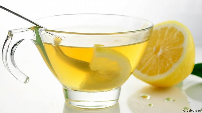 شاي أخضر مع ليمون مفيد للصحة
