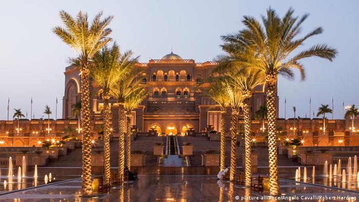 Emirates Palace Hotel in Abu Dhabi