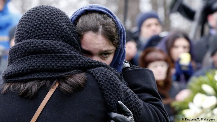 Жанна Немцова на похоронах Бориса Немцова